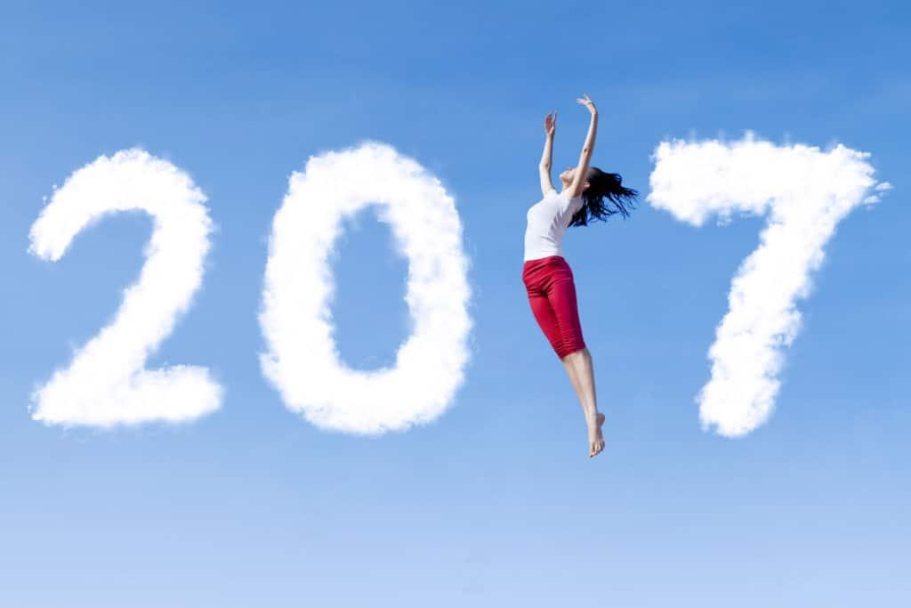 2017 avec une jeune femme qui danse dans le ciel